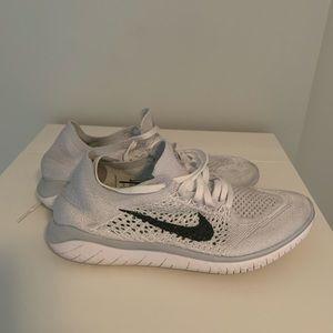 Nike free run fly knit